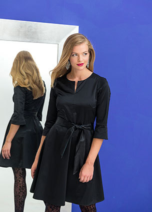 Knipmode sewing pattern | KM1811-09 | Satin dress